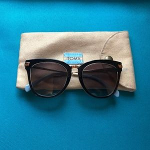 Toms Sunglasses- The Adeline